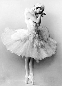 Anna Pavlova in 'The Dying Swan', Saint Petersburg, 1905. Picture credit Wikipedia.